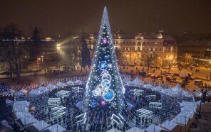 1_Vilnius_Christmas_Tree_photo_by_Saulius_Ziura-5c02feb2b8867__880.jpg