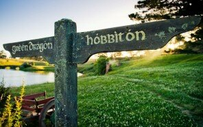 Village-of-Hobbits-exists-Welcome-to-Hobbiton-13-5c1255b9962f1__880.jpg